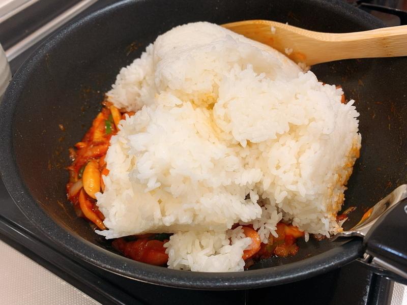 白米をドサドサ入れる