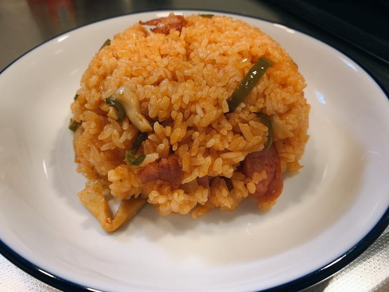 【チキンライス】鶏ガラスープの素とウインナーで作る絶品チキンライスのレシピ