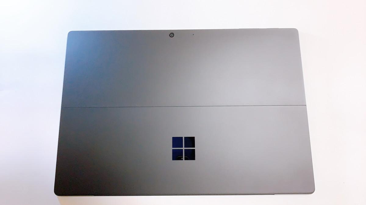 SurfacePro7ブラック