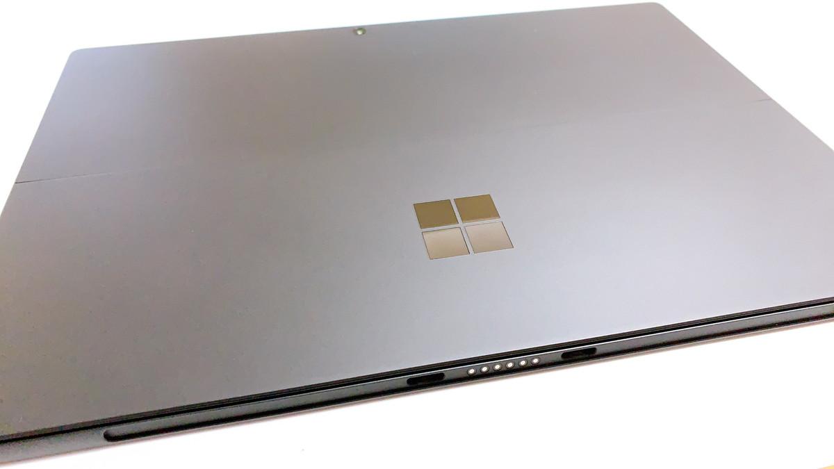 SurfacePro7のデザイン
